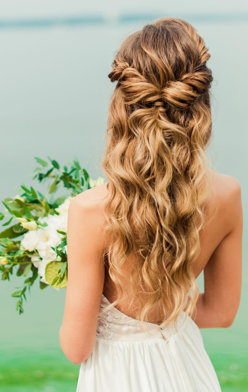 Die Passende Frisur Zum Brautkleid Wahlen Was Bei Der