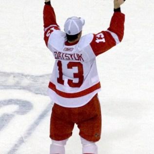 Pavel_Datsyuk_with_Stanley_Cup Pavel Datsyuk Detroit Red Wings Pavel Datsyuk