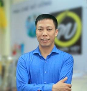 Thầy Nguyễn Đình Thông giáo viên học món việt