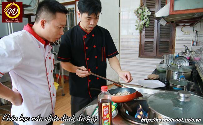 học viên khóa học nấu cháo dinh dưỡng Giáo dục nghề