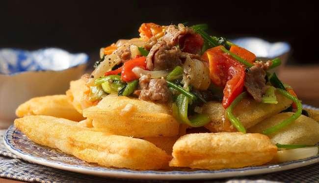 7 món ăn nhất định phải thử ở Hà Nội: phở chiên phồng học nấu ăn tại Học Món Việt