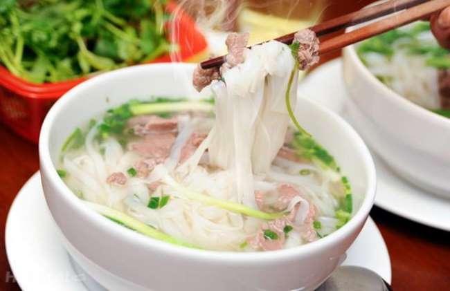 """7 món ăn ở Hà Nội báo chí nước ngoài lựa chọn là """"nhất định phải thử"""": Phở học nấu ăn tại Học Món Việt"""