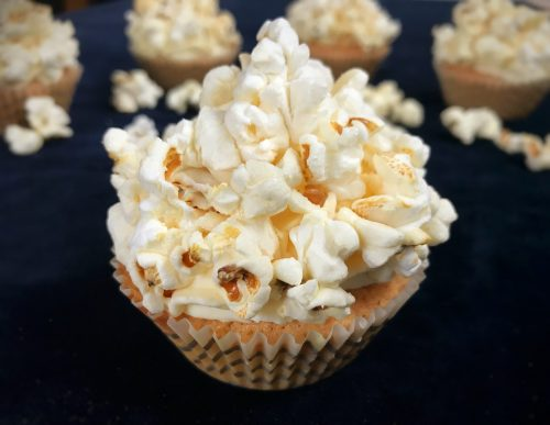 Recipe: Popcorn Cupcakes - perfect for movie night!