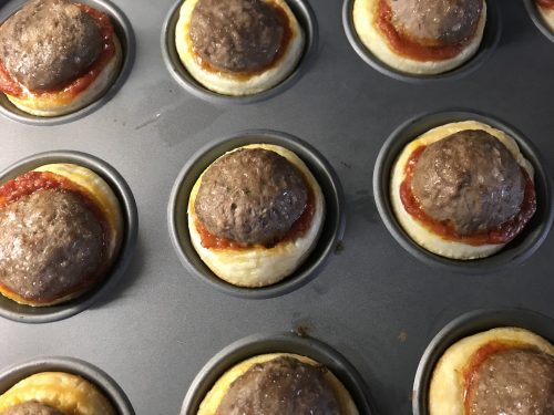 Easy Recipe: Melting Meatball Pizza Puffs