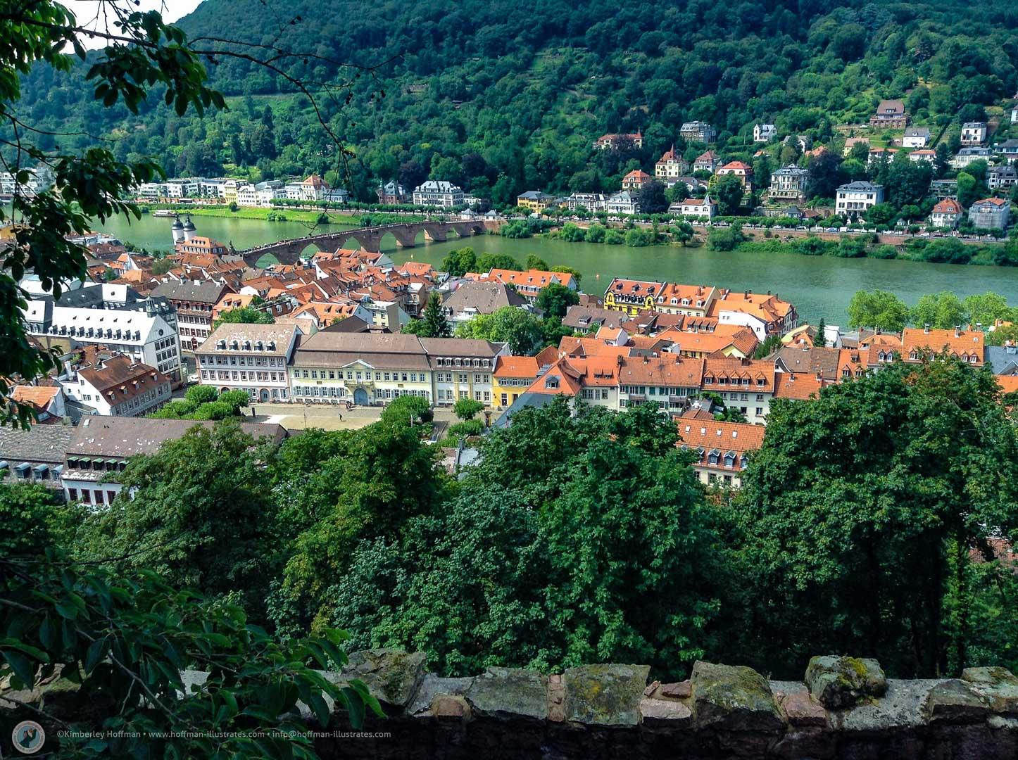 Neckaransicht vom Heidelberger Schloss im Sommer