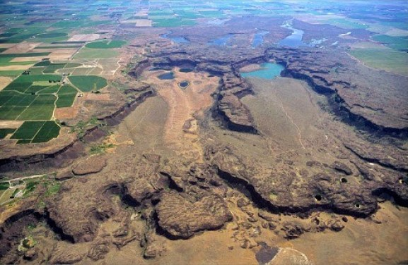 Potholes Coulee and Ancient Lake are a great hike in Eastern Washington.