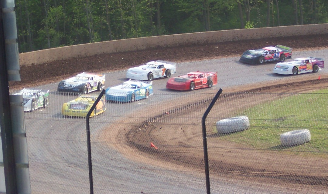 Dirt Late Model Yaw