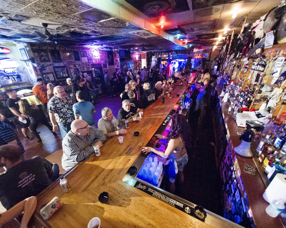 Hogs & Heifers Saloon_0007