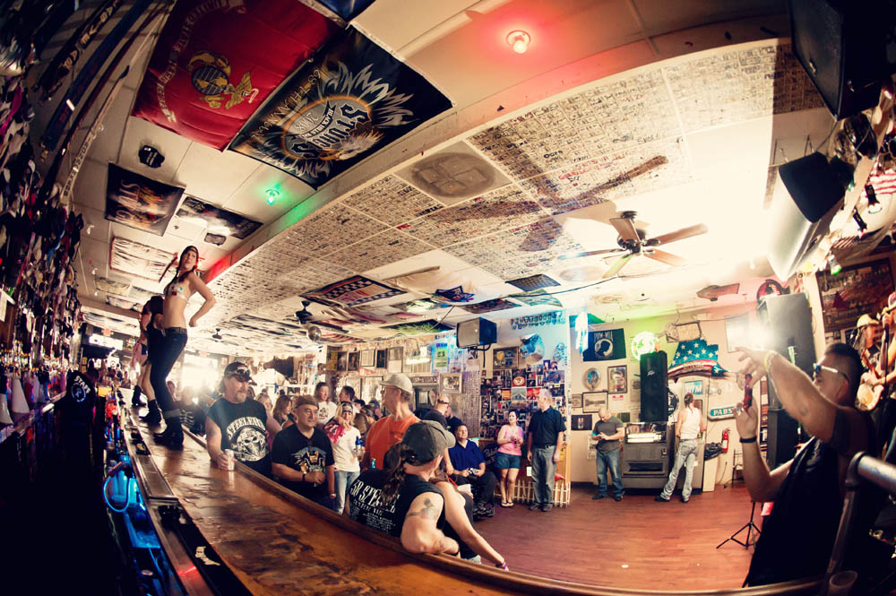 Hogs & Heifers Saloon_0015