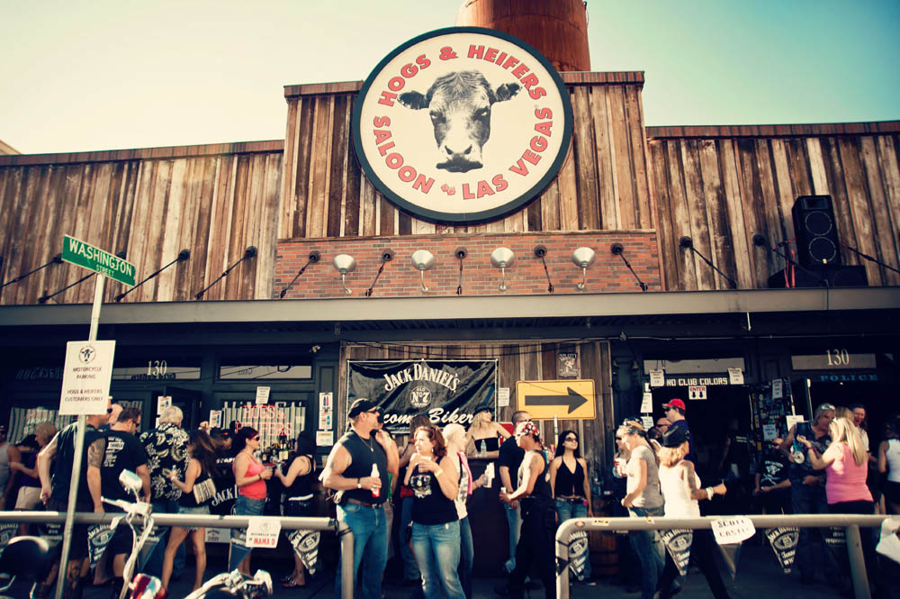Hogs & Heifers Saloon_0078