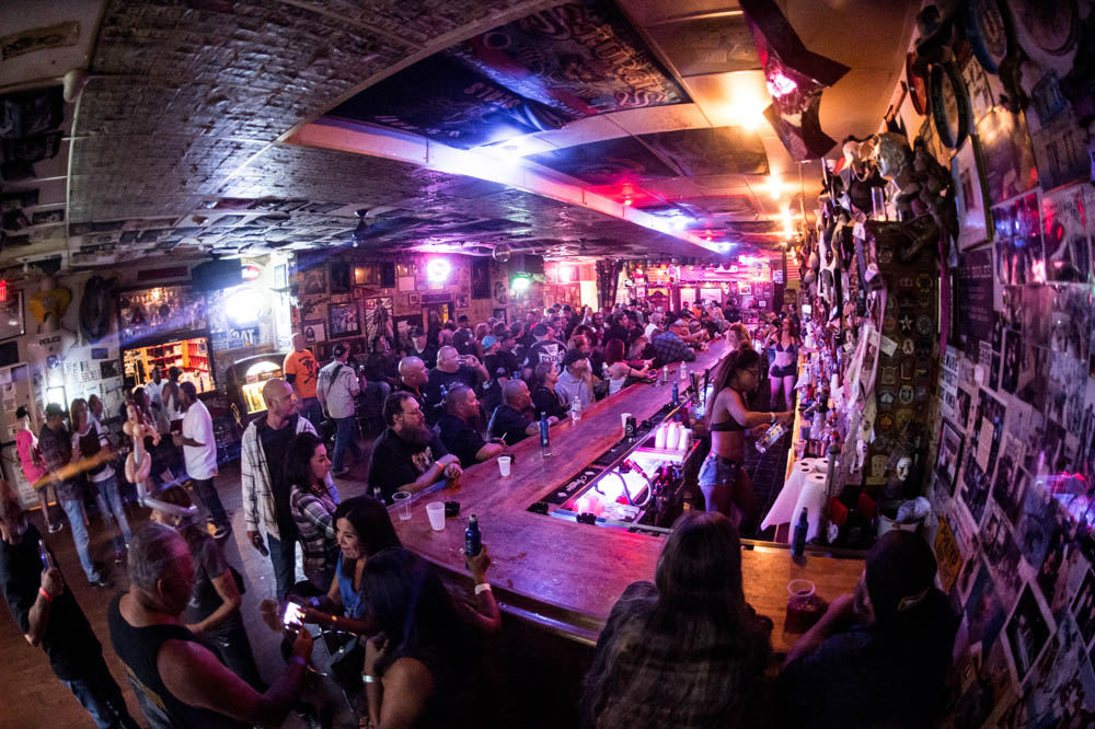 Hogs & Heifers Saloon_0086