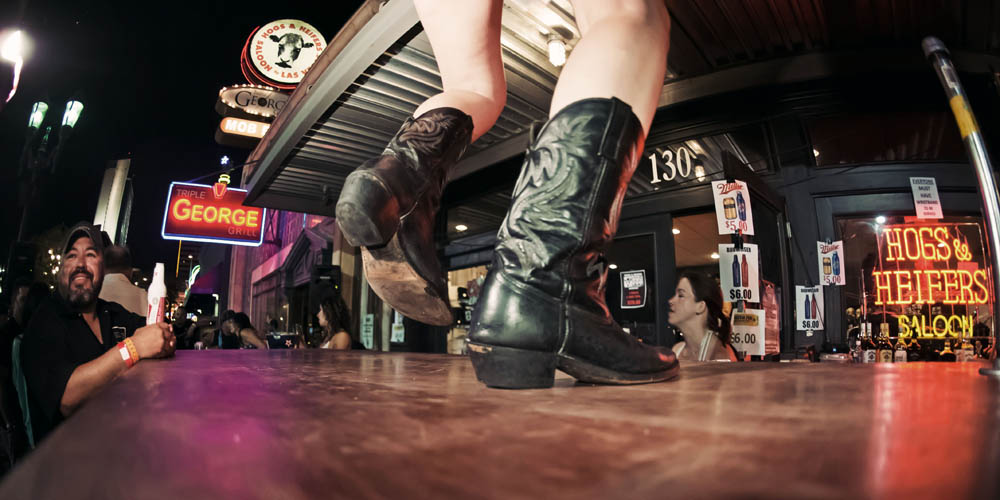 Hogs & Heifers Saloon_0134
