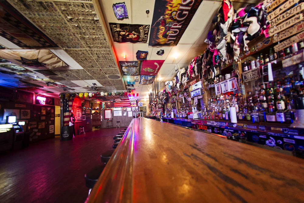 Hogs and Heifers Saloon_0011