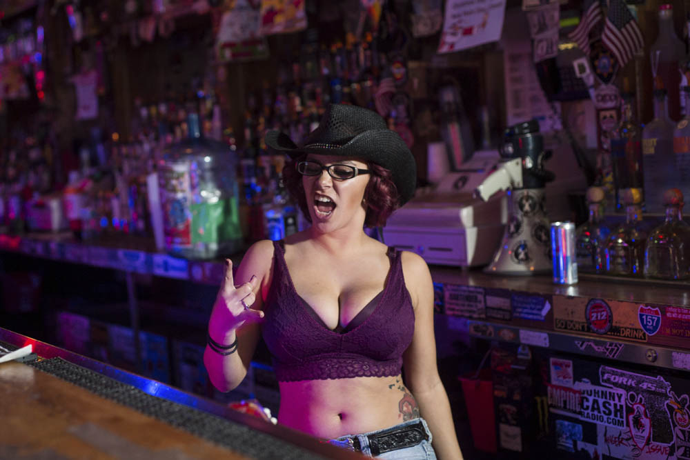 Hogs and Heifers Saloon_0018