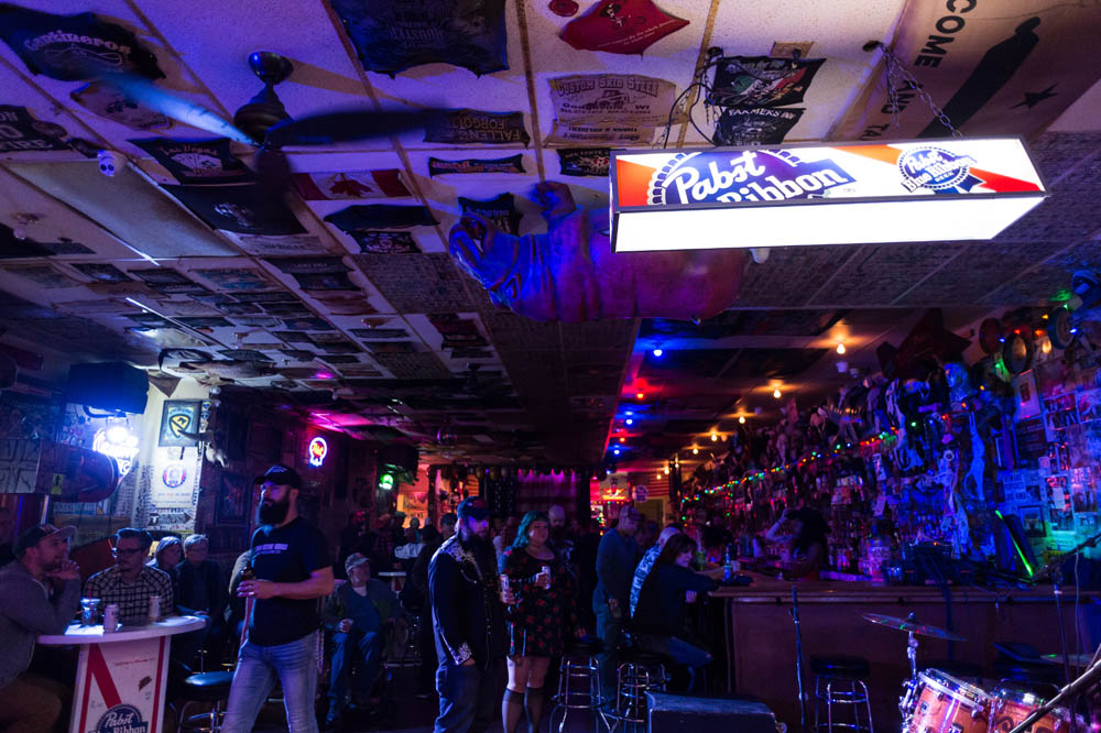 Hogs and Heifers Saloon_002