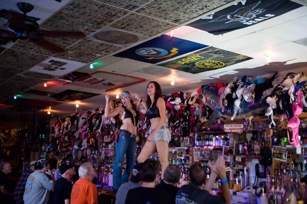 Hogs and Heifers Saloon_0055