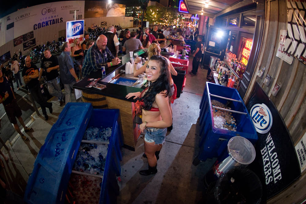 Hogs and Heifers Saloon_0082