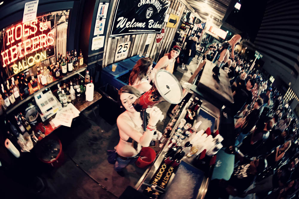 Hogs and Heifers Saloon_0086