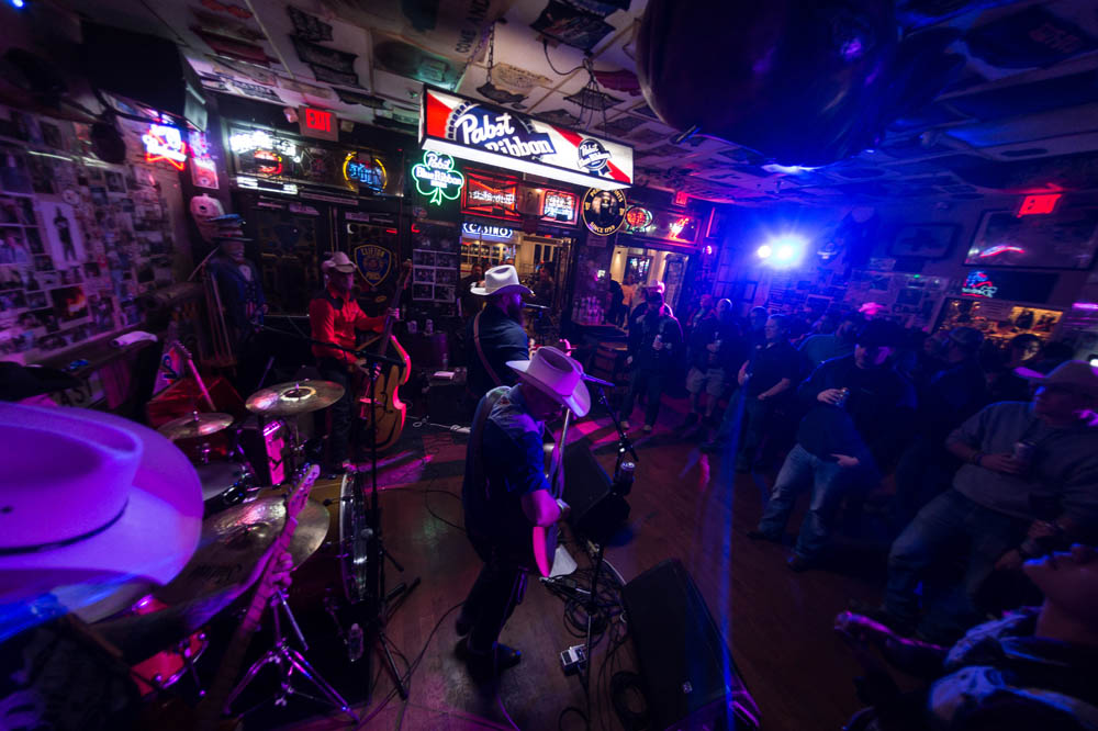 Hogs and Heifers Saloon_025