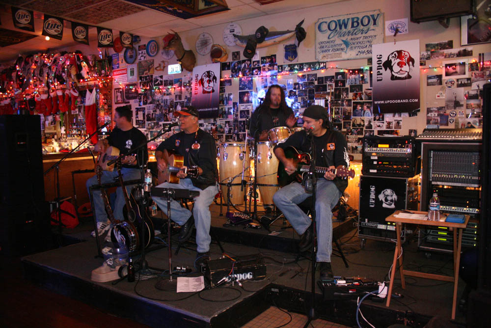 Hogs and Heifers Saloon_0362