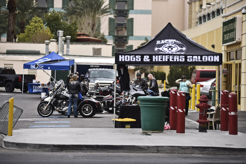 Hogs & Heifers Saloon_0402