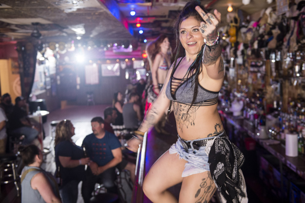 Hogs_and_Heifers_Saloon_Las_Vegas_0089