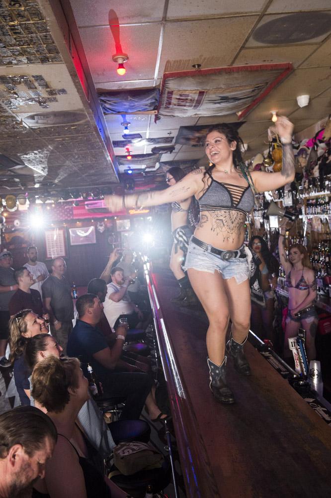 Hogs_and_Heifers_Saloon_Las_Vegas_0122