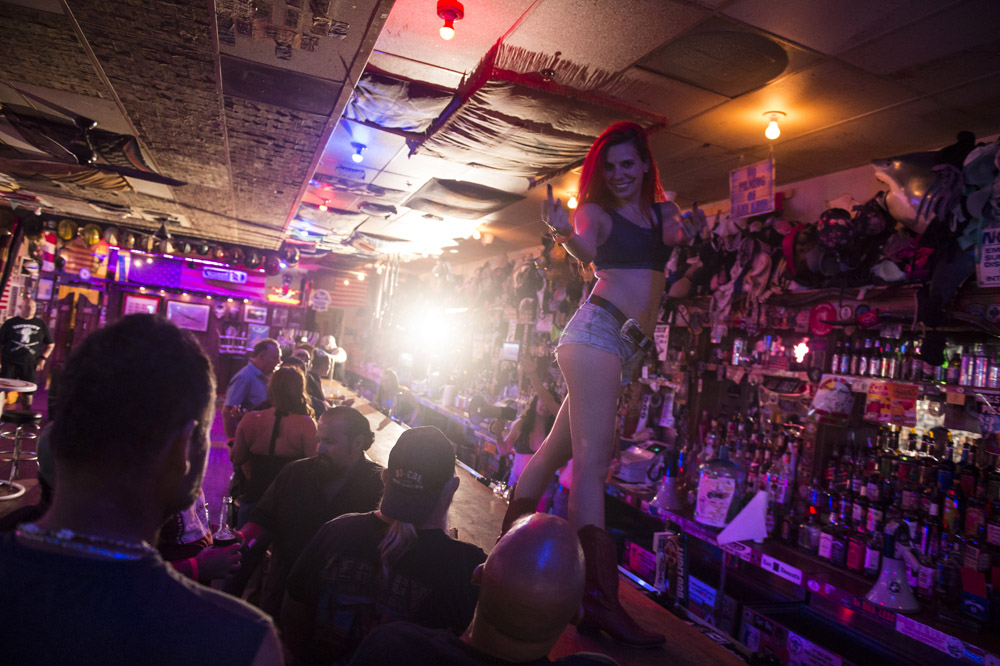 Hogs_and_Heifers_Saloon_Las_Vegas_0149