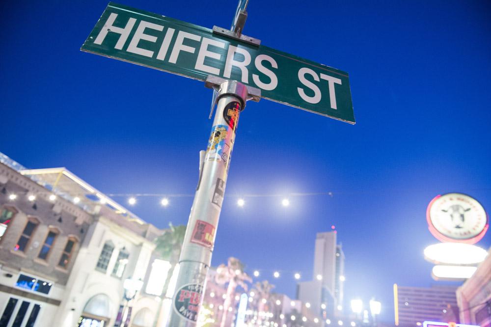 Hogs_and_Heifers_Saloon_Las_Vegas_0185