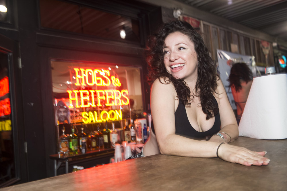 Hogs_and_Heifers_Saloon_Las_Vegas_0210