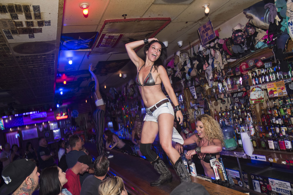 Hogs_and_Heifers_Saloon_Las_Vegas_0211