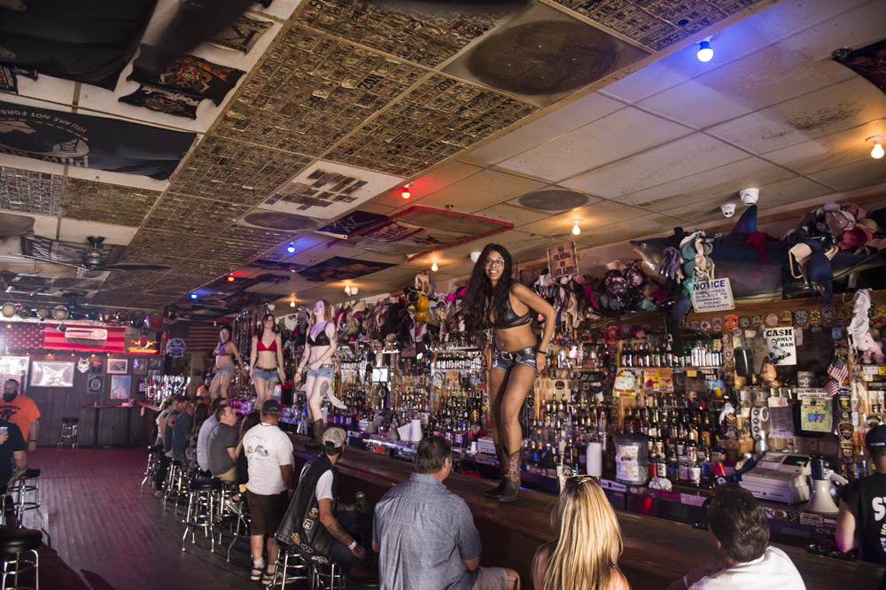 Hogs_and_Heifers_Saloon_Las_Vegas_0228