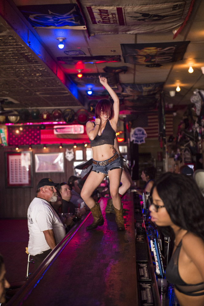 Hogs_and_Heifers_Saloon_Las_Vegas_0229