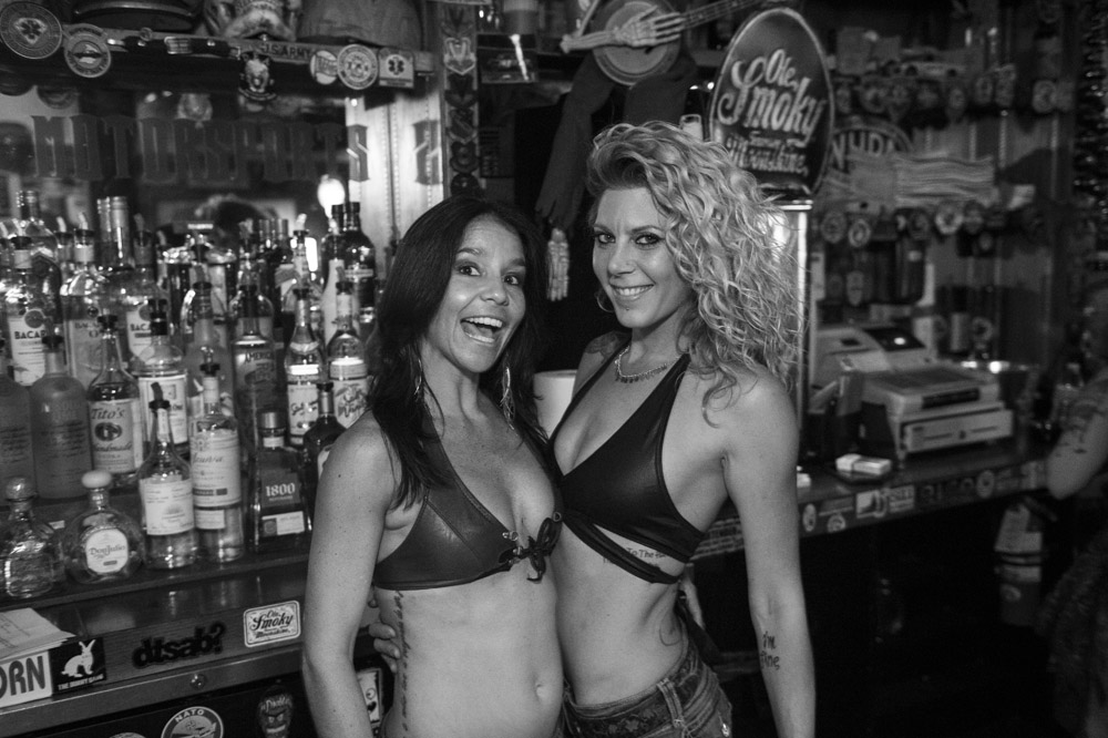 Hogs_and_Heifers_Saloon_Las_Vegas_0269