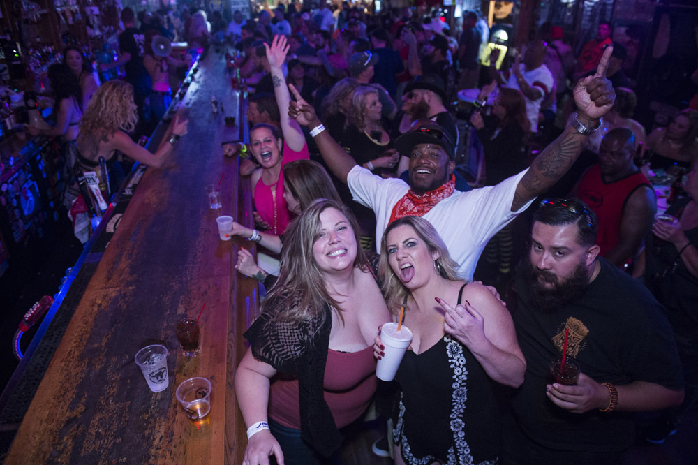 Hogs_and_Heifers_Saloon_Las_Vegas_0295