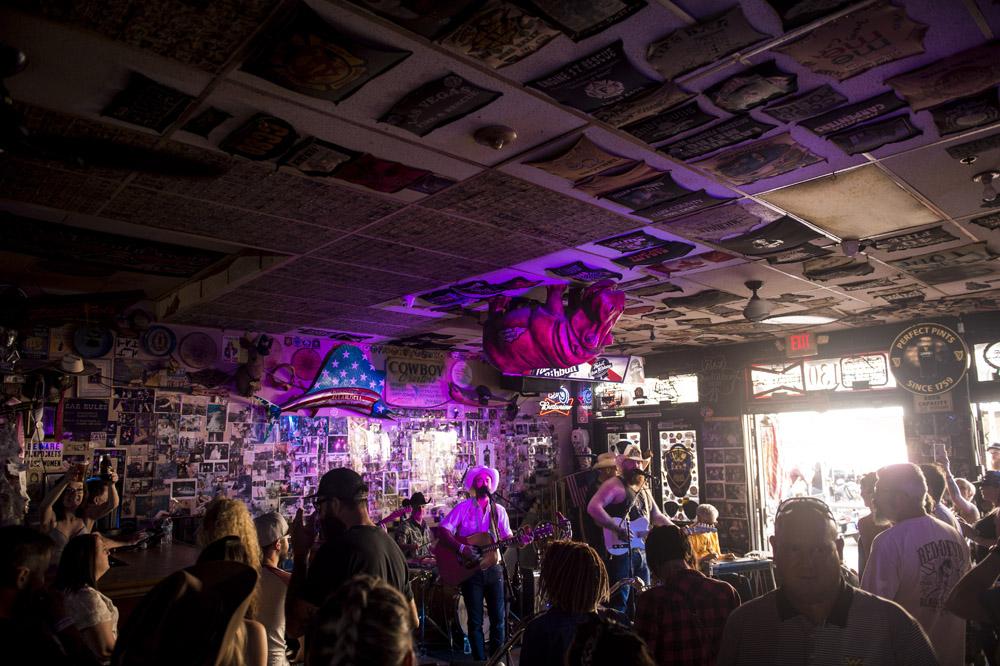 Hogs_and_Heifers_Saloon_Las_Vegas_0418