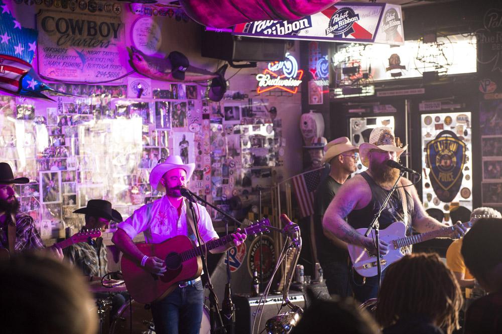 Hogs_and_Heifers_Saloon_Las_Vegas_0419