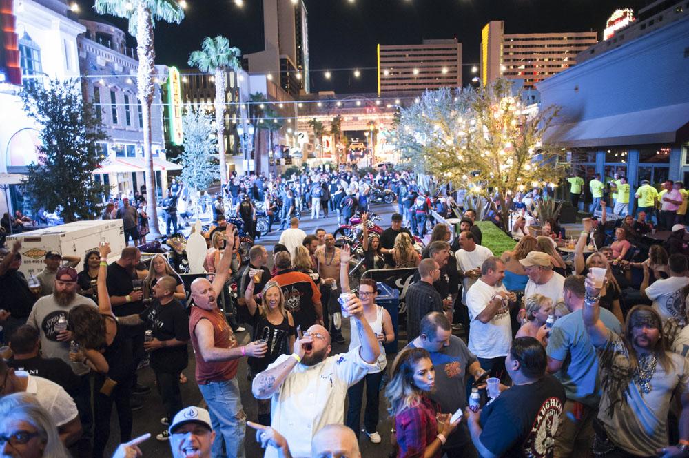 Hogs & Heifers Saloon_Las Vegas BikeFest_0214