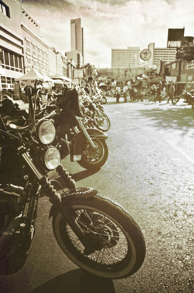 Hogs & Heifers Saloon_Las Vegas BikeFest_0221