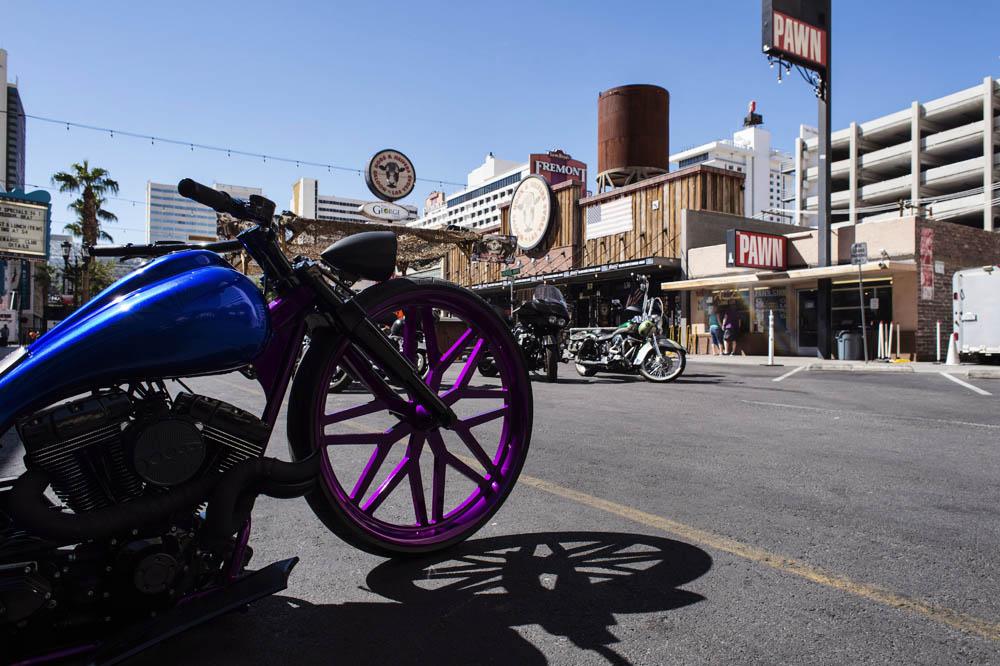 Hogs & Heifers Saloon_Las Vegas _Biker Bar0303