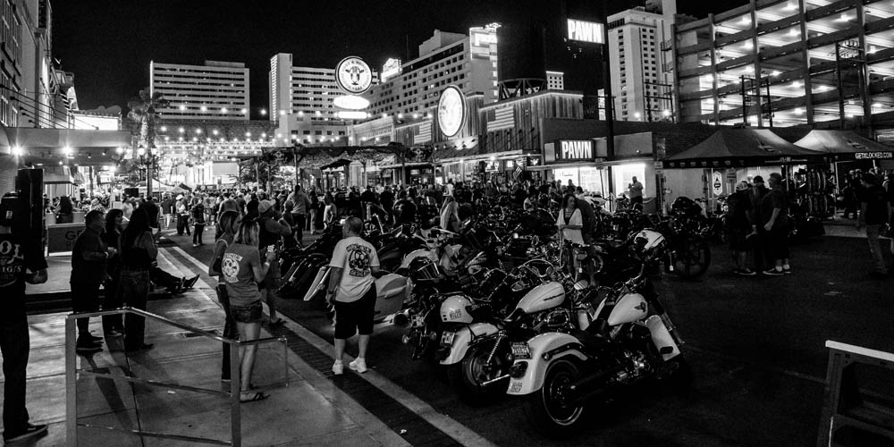 Hogs & Heifers Saloon_Las Vegas _Biker Bar0307