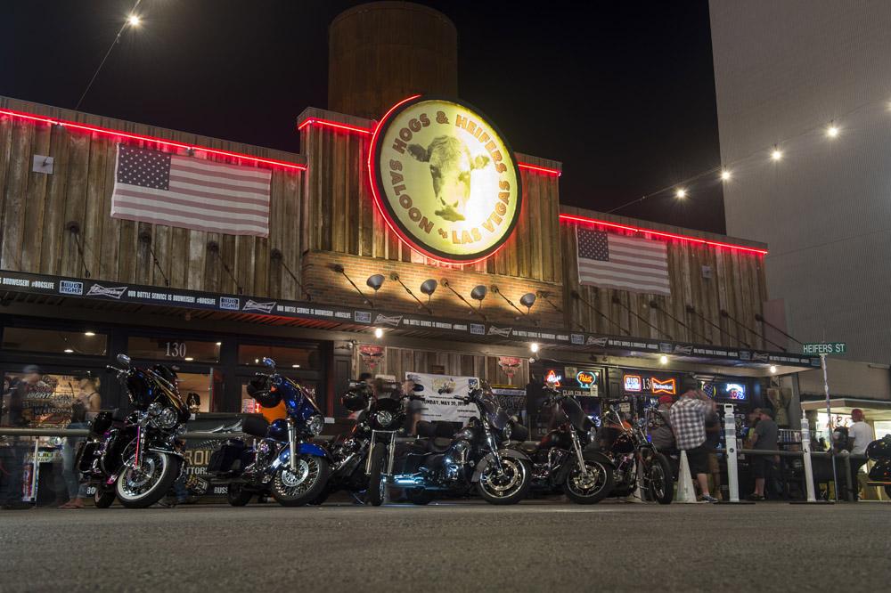 Hogs & Heifers Saloon_Las Vegas _Biker Bar0317