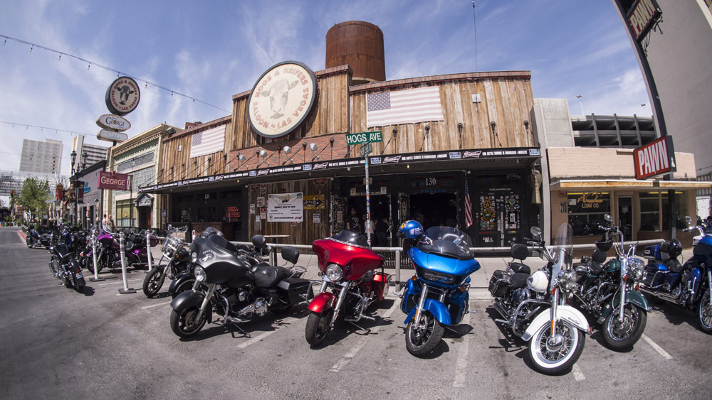 Hogs & Heifers Saloon_Las Vegas _Biker Bar0327
