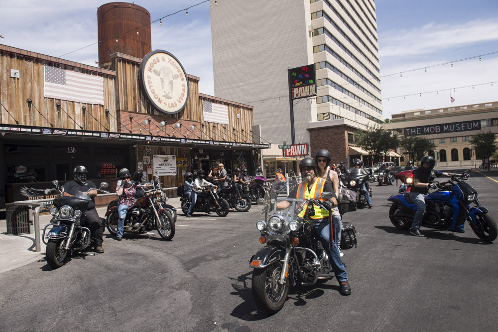 Hogs & Heifers Saloon_Las Vegas _Biker Bar0328