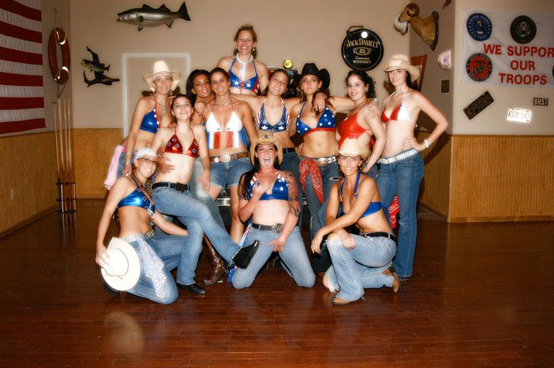 Hogs & Heifers Saloon_Las Vegas_Bartenders_0005