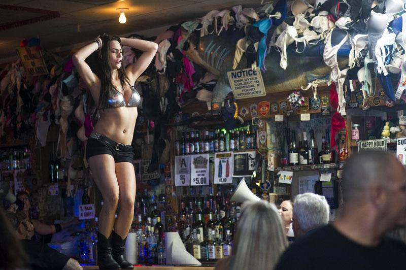 Hogs & Heifers Saloon_Las Vegas_Bartenders_0109