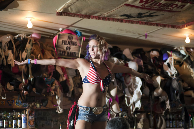 Hogs & Heifers Saloon_Las Vegas_Bartenders_0113