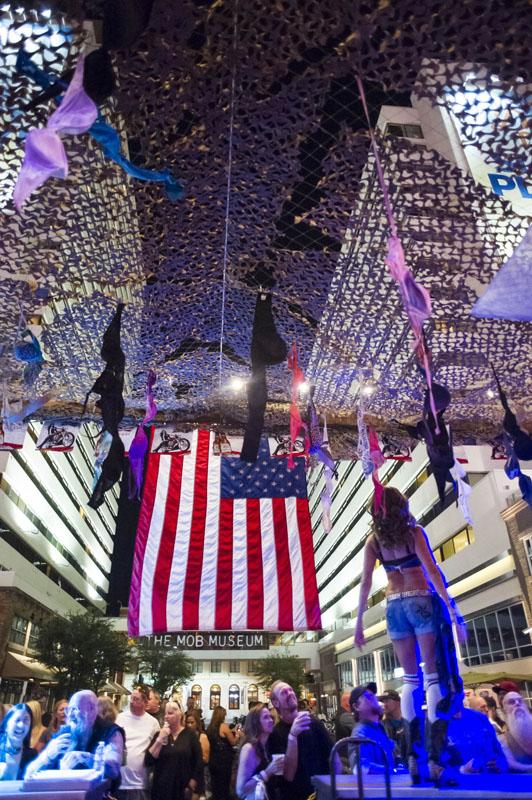 Hogs & Heifers Saloon_Las Vegas_Bartenders_0115