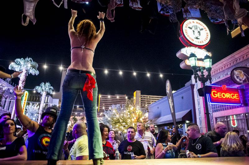 Hogs & Heifers Saloon_Las Vegas_Bartenders_0116