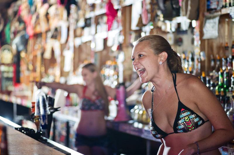 Hogs & Heifers Saloon_Las Vegas_Bartenders_0126